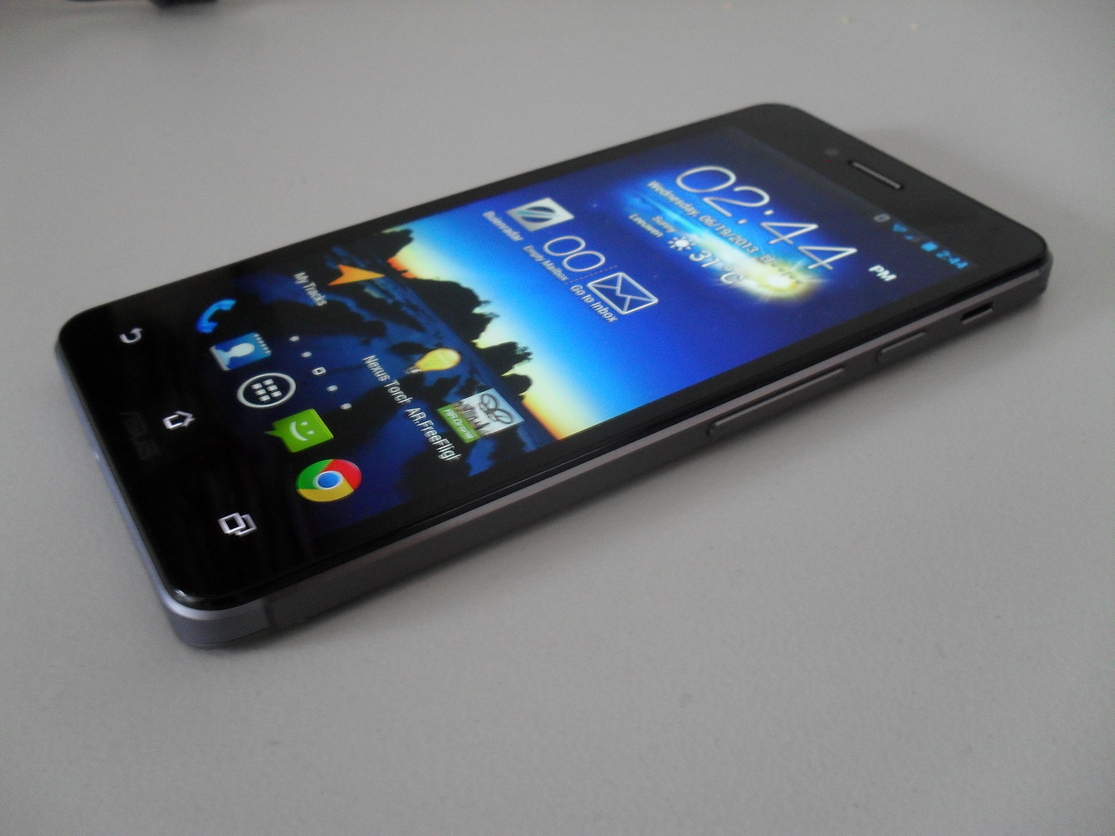 Content / Reviews / Detailed Padfone Infinity review